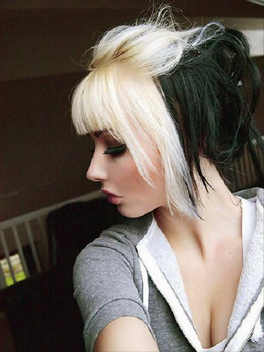 Groovy Useful Tips To Help You Dye Black Hair Blonde At Home Be Beauty Tips Short Hairstyles Gunalazisus